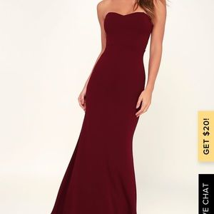 STAND IN THE SPOTLIGHT BURGUNDY STRAPLESS MAXI
